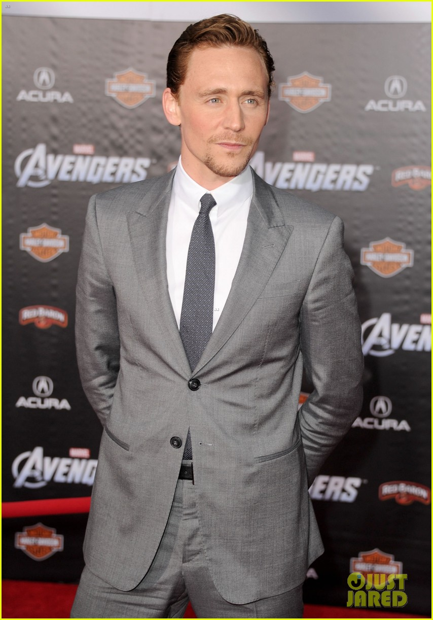 tom hiddleston cobie smulders avengers premiere 062647893