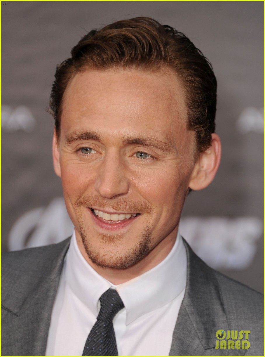 tom hiddleston cobie smulders avengers premiere 10