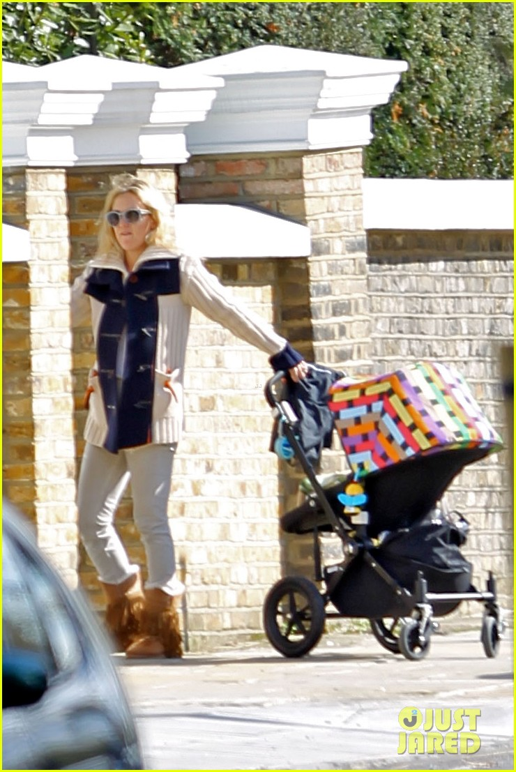 kate hudson visiting gwyneth 01