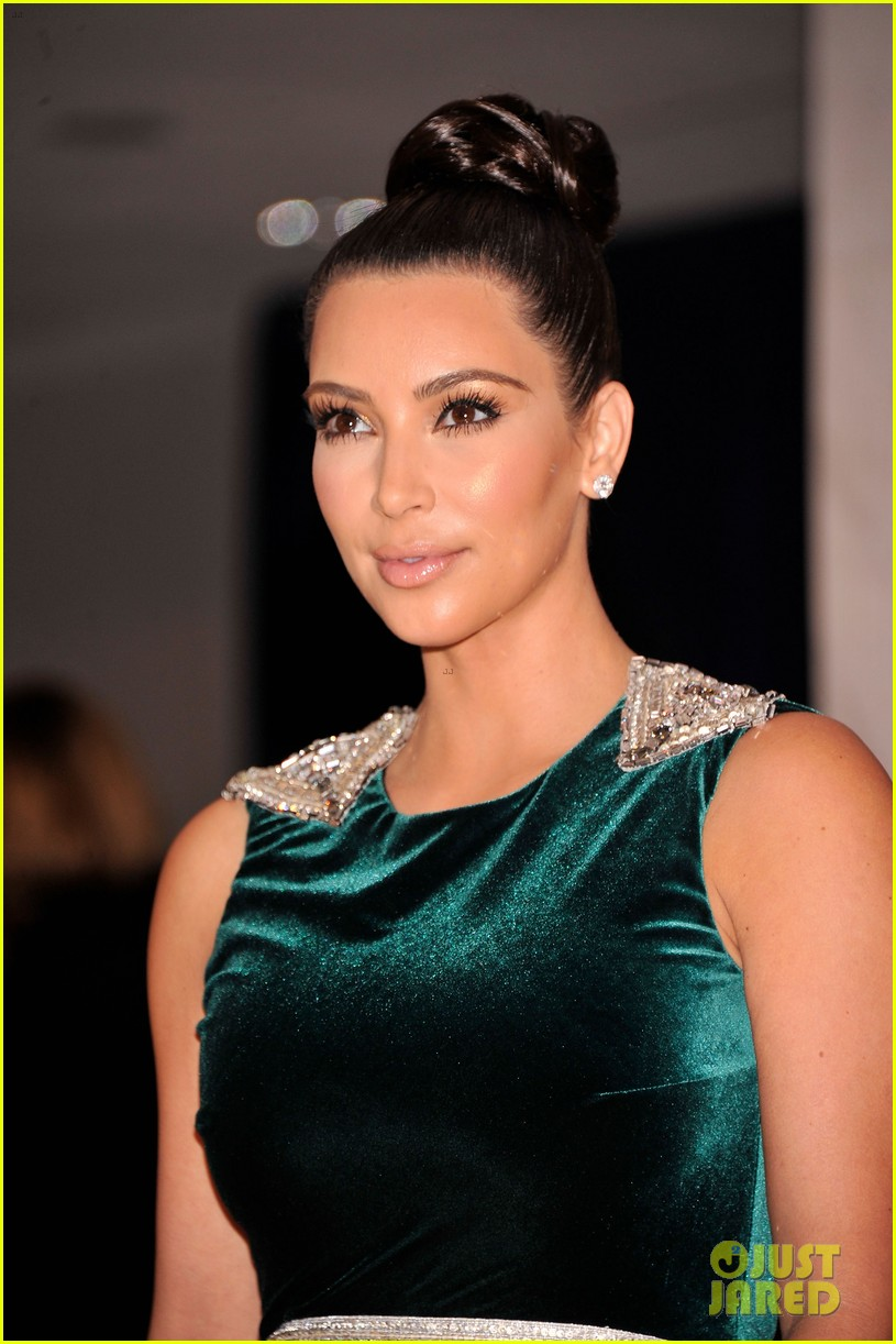 kim kardashian white house correspondents dinner 02