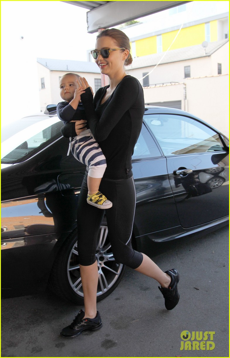 miranda kerr flynn head to gym 08