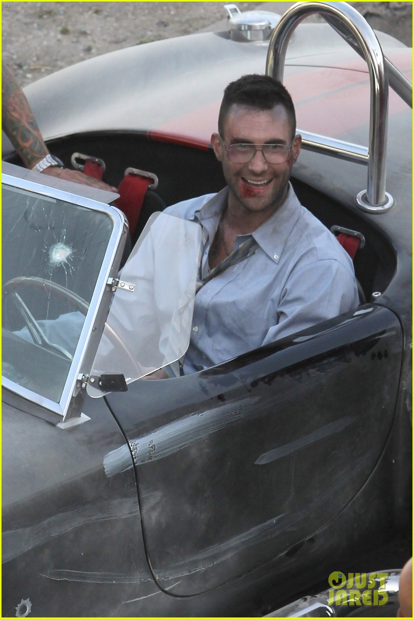 adam levine bloody for maroon 5 payphone 11