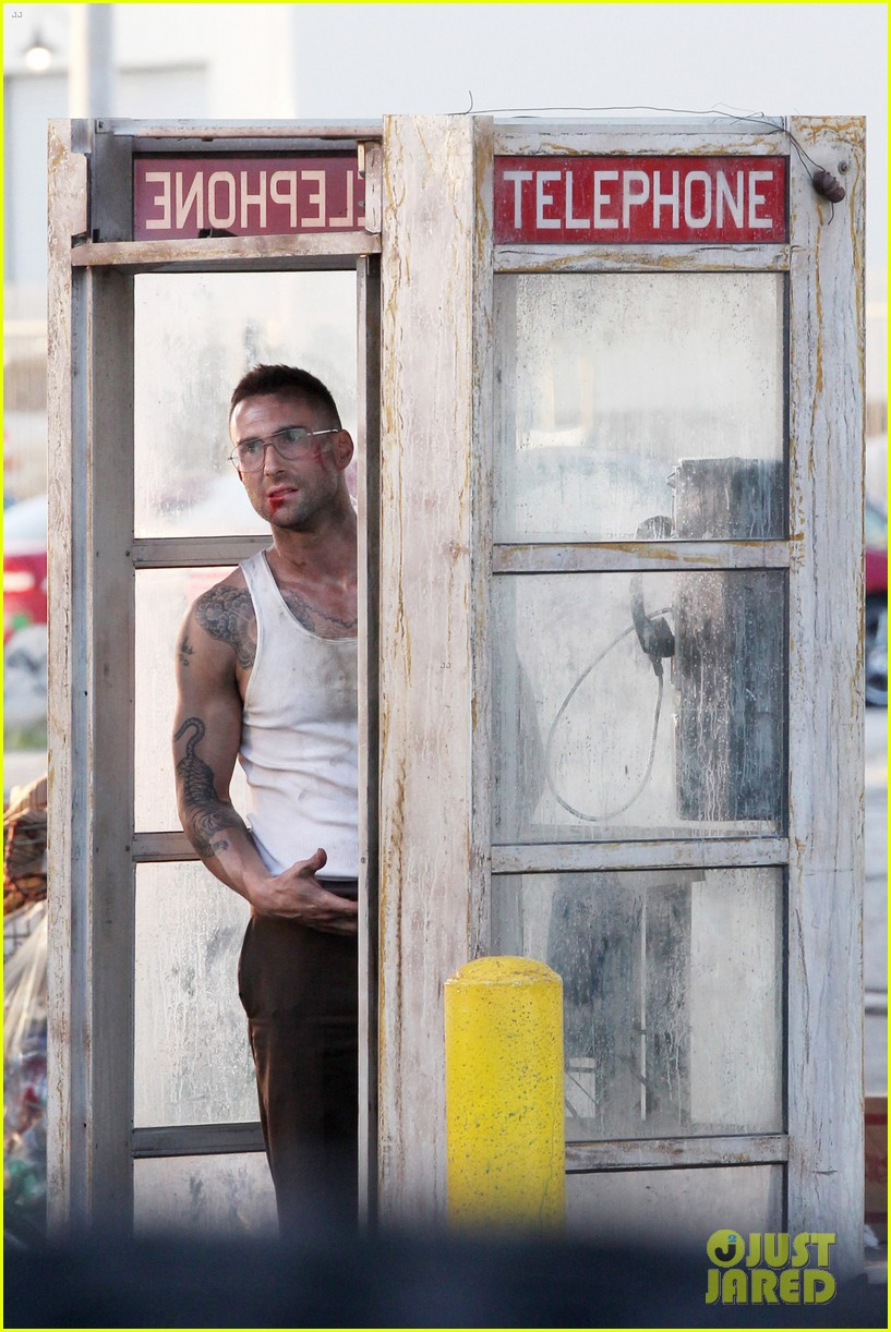 adam levine bloody for maroon 5 payphone 12