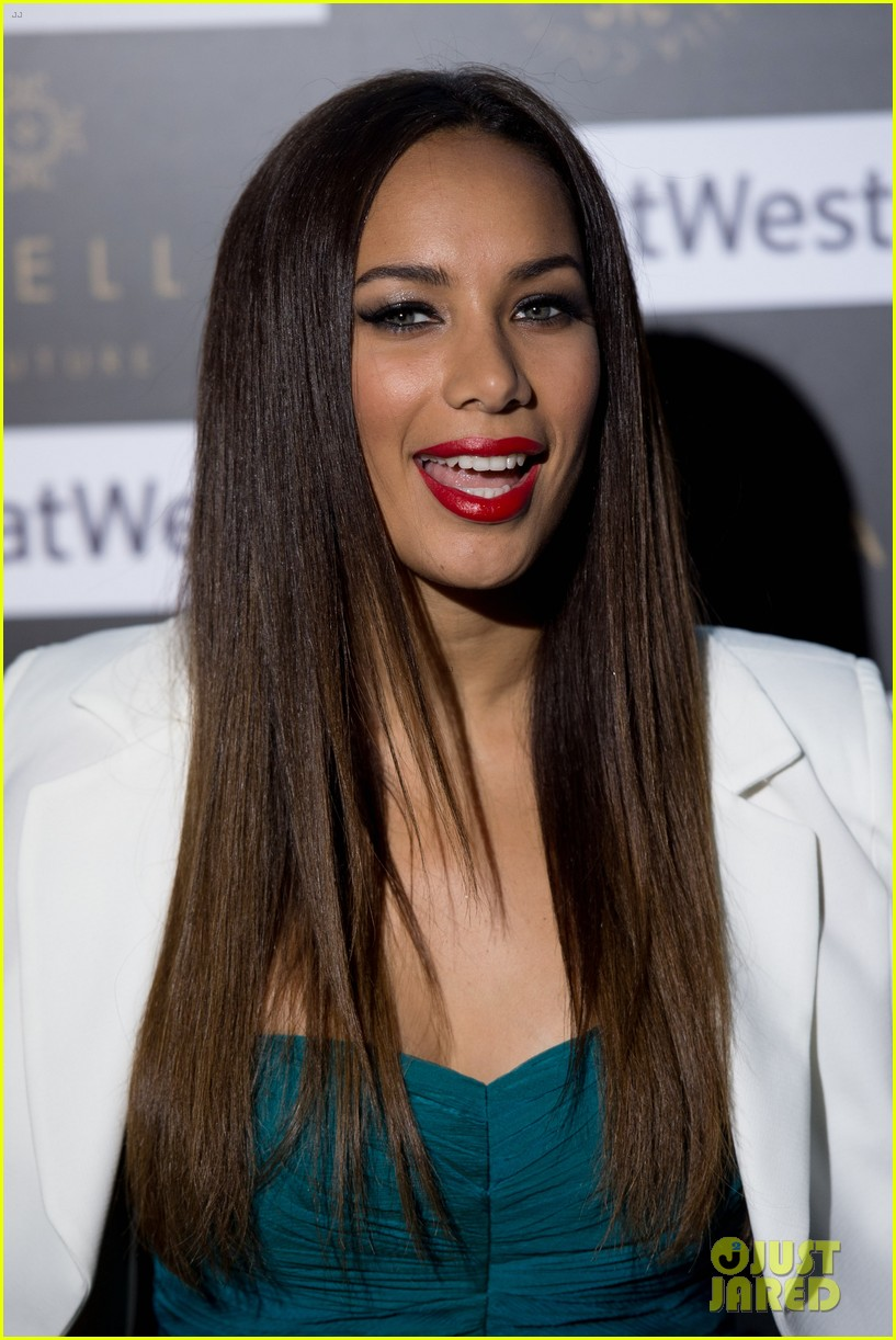leona lewis ariella couture fashion show 01