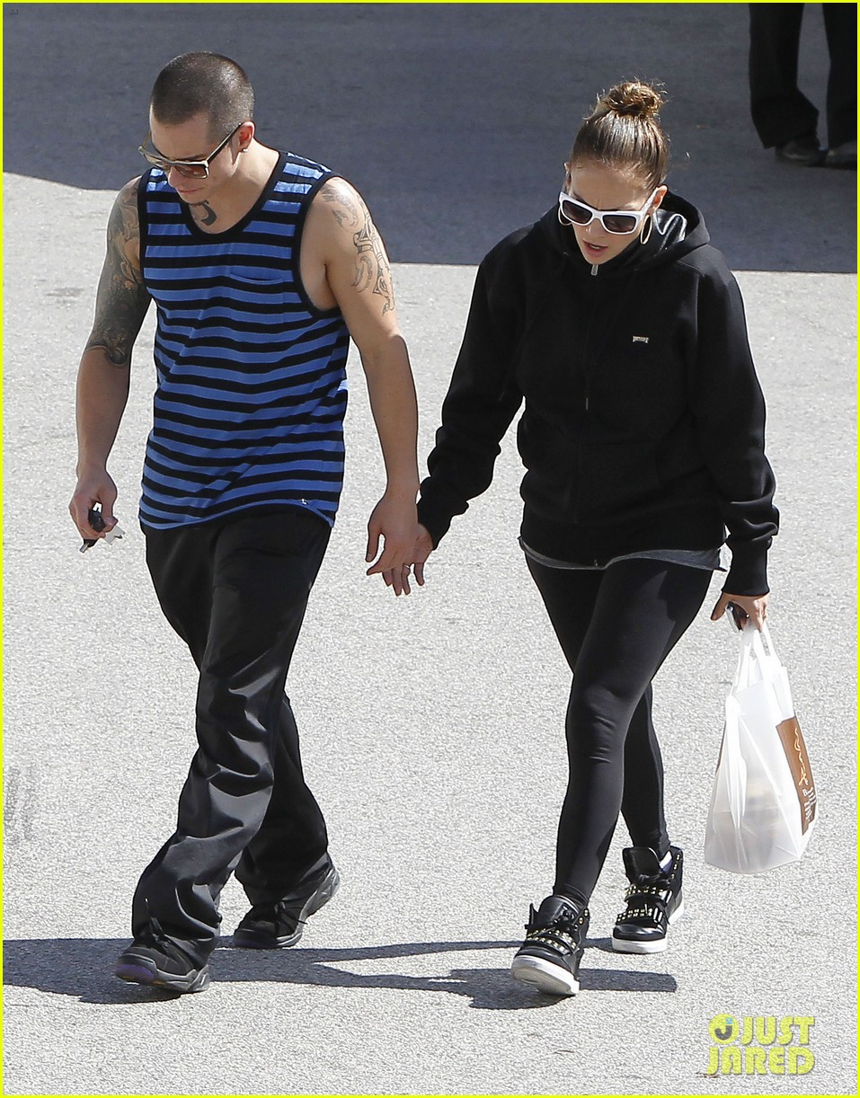 jennifer lopez casper smart lovebirds at lunch 15