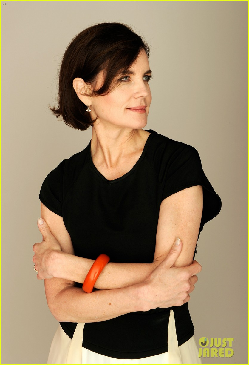 elizabeth mcgovern cheerful weather portrait 12