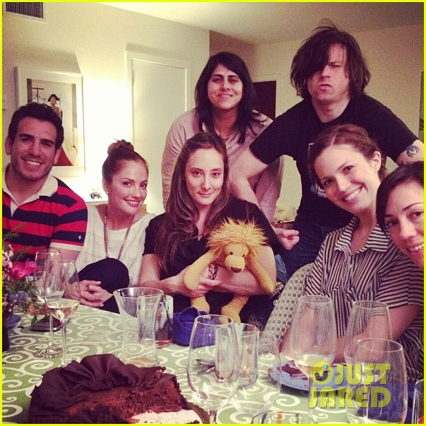 mandy moore passover seder with minka kelly 02