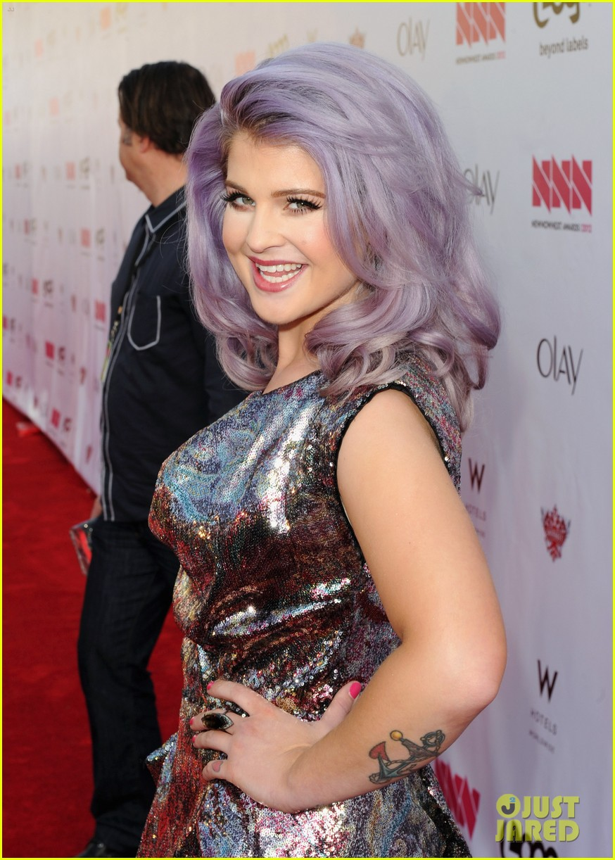 kelly osbourne logo newnownext awards 06