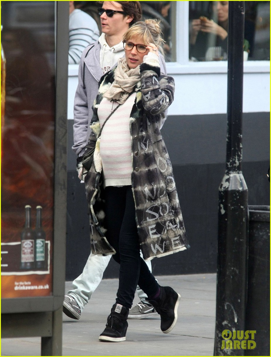 elsa pataky not revealing babys gender 05