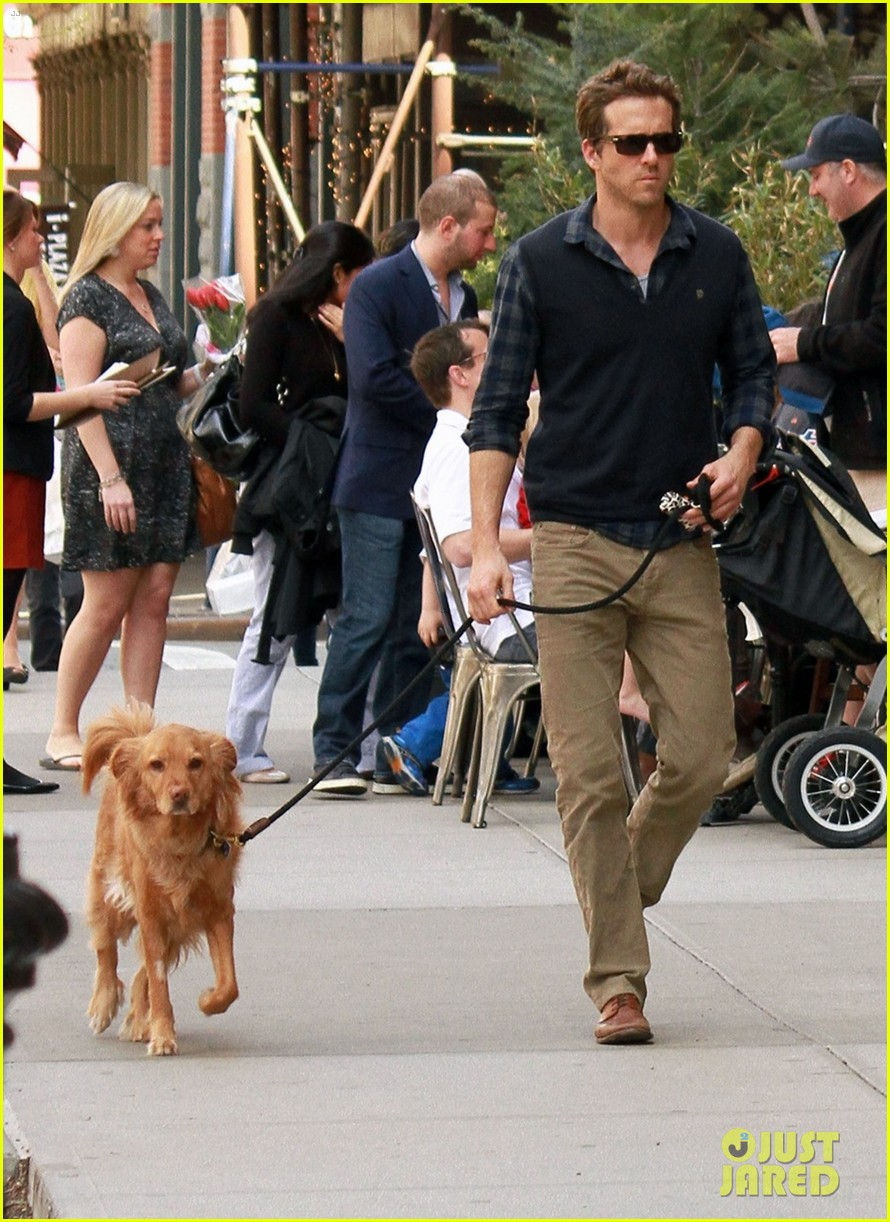 ryan reynolds errands in nyc 02