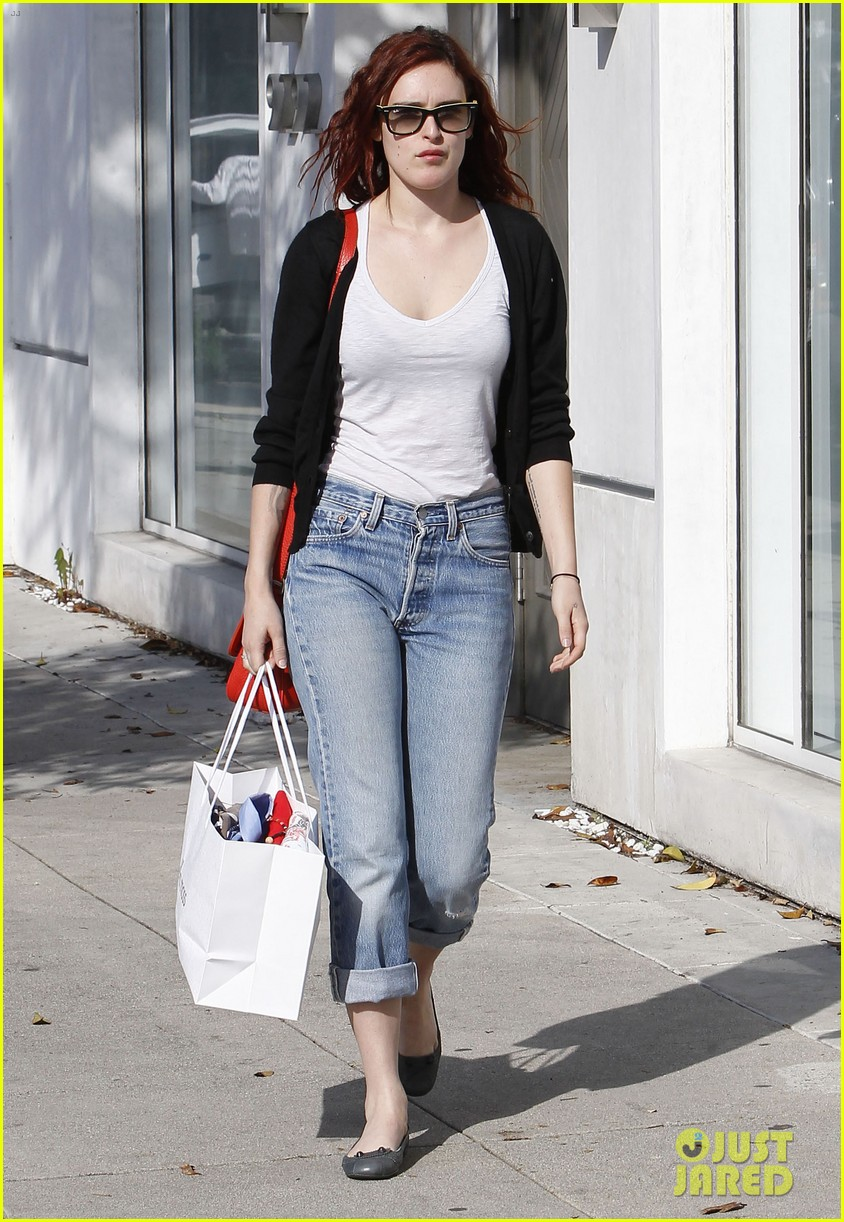 rumer willis salon shopping 03