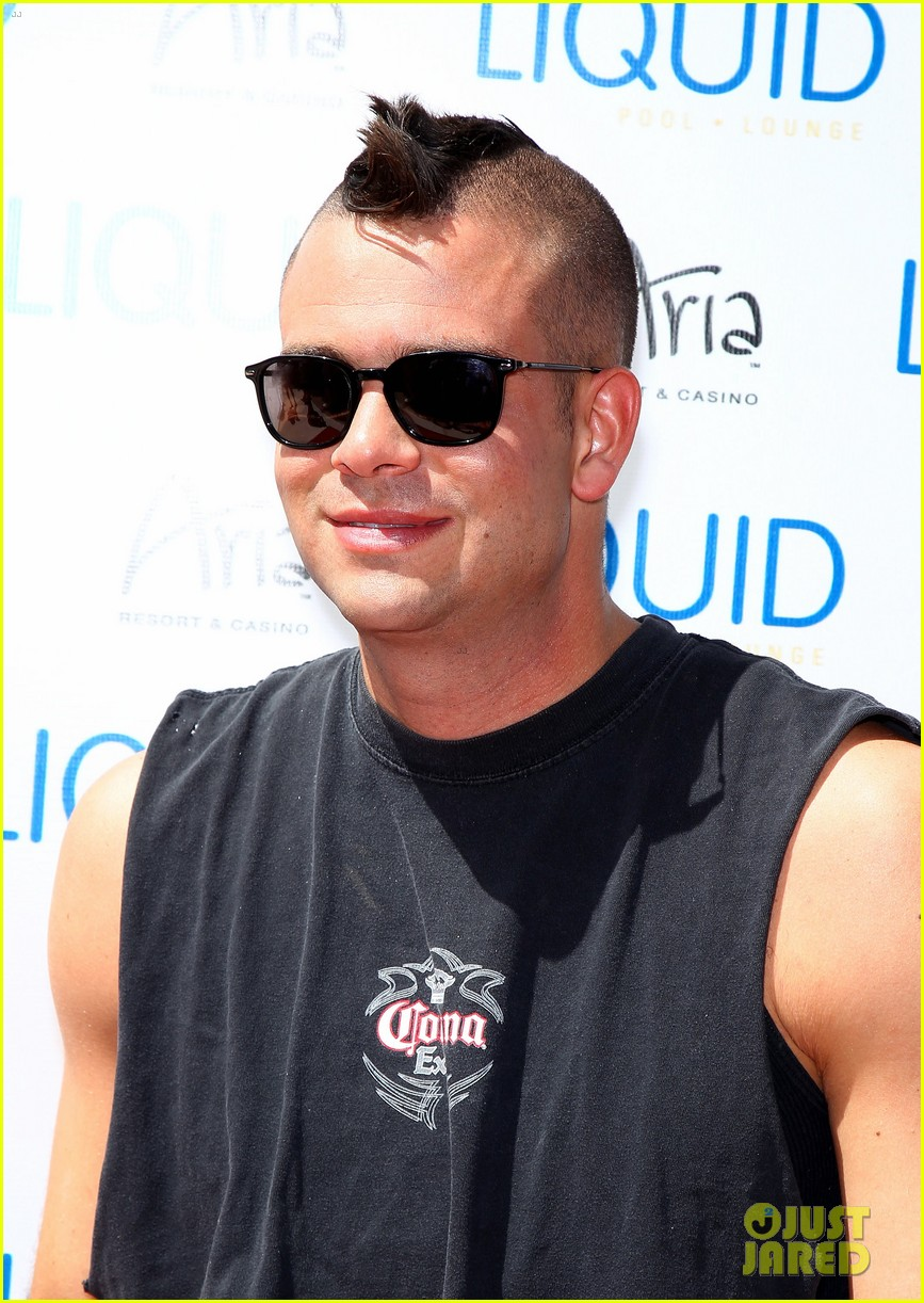 mark salling las vegas pool party 09