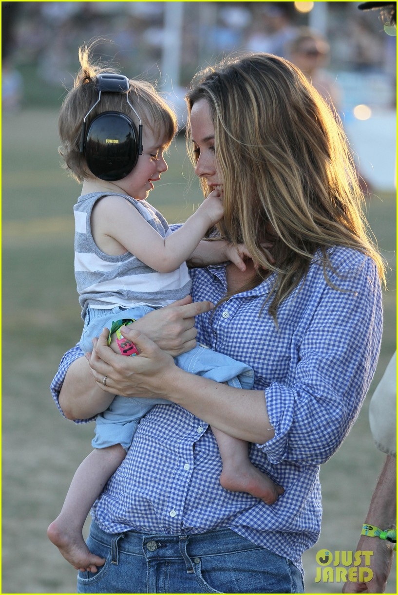 alicia silverstone brings baby bear to coachella 10