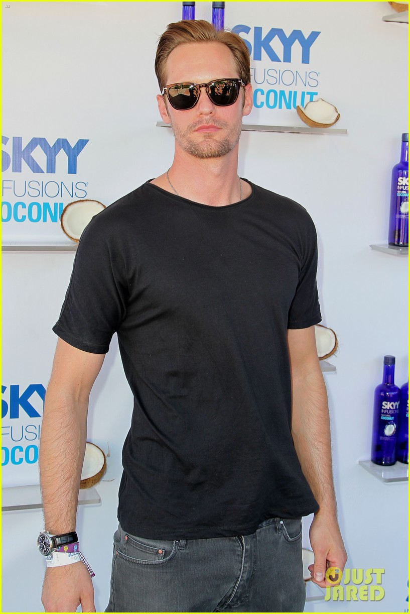 alexander skarsgard skyy escape at coachella 20