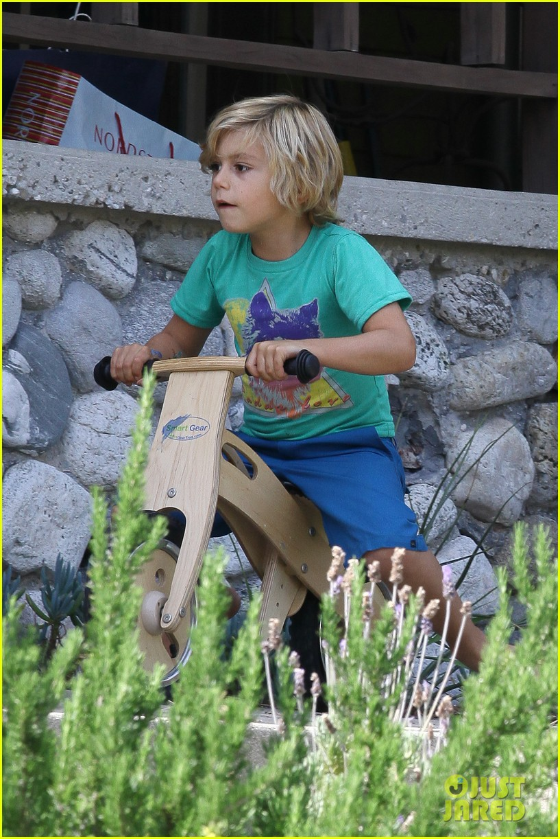 gwen stefani boys family 10