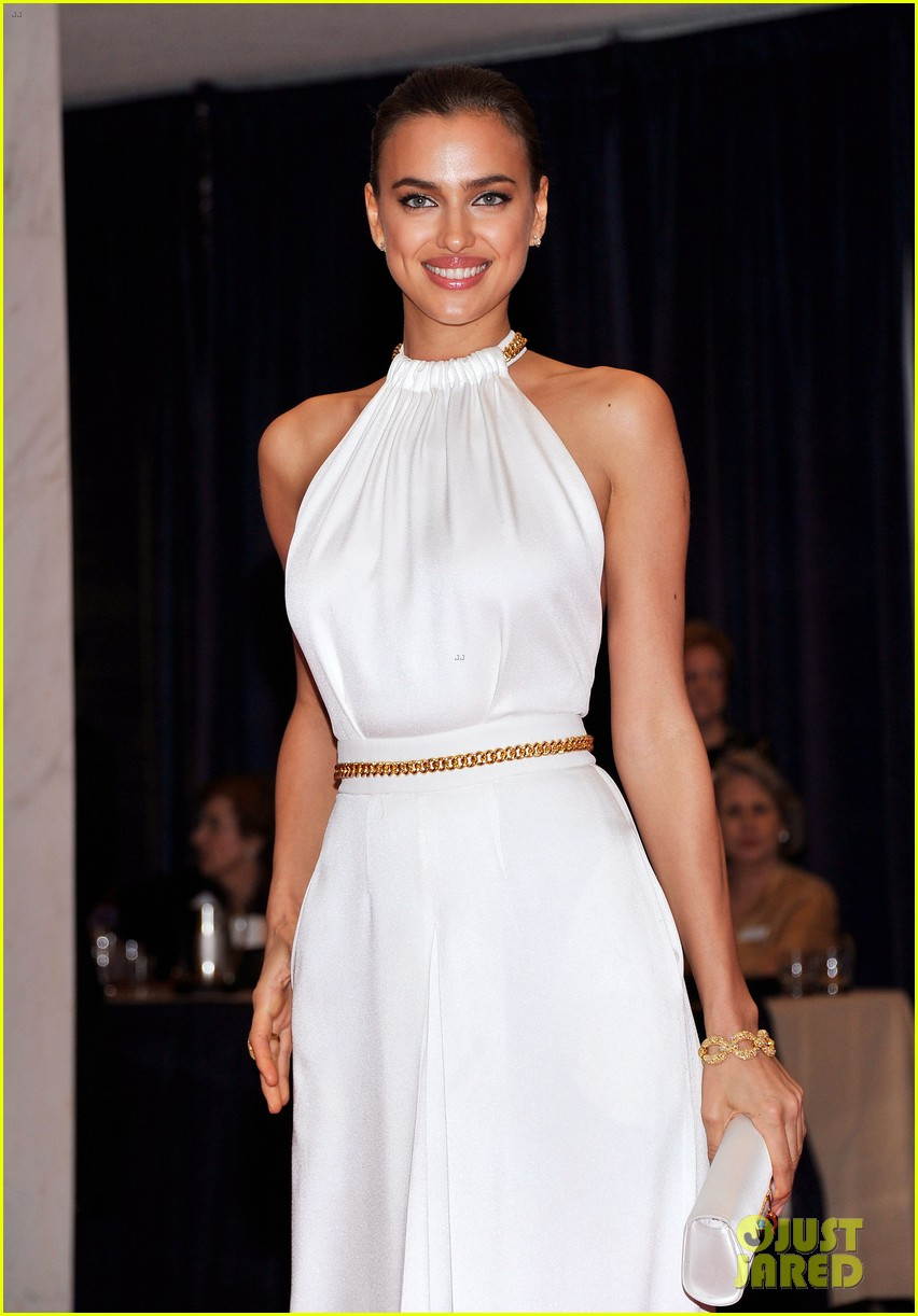 chrissy teigen irina shayk white house correspondents dinner 11