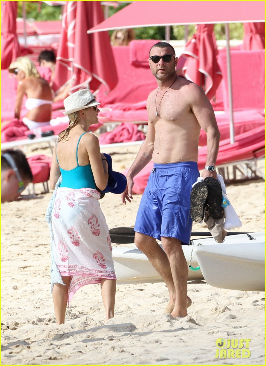 naomi watts liev schreiber st james lovers 02