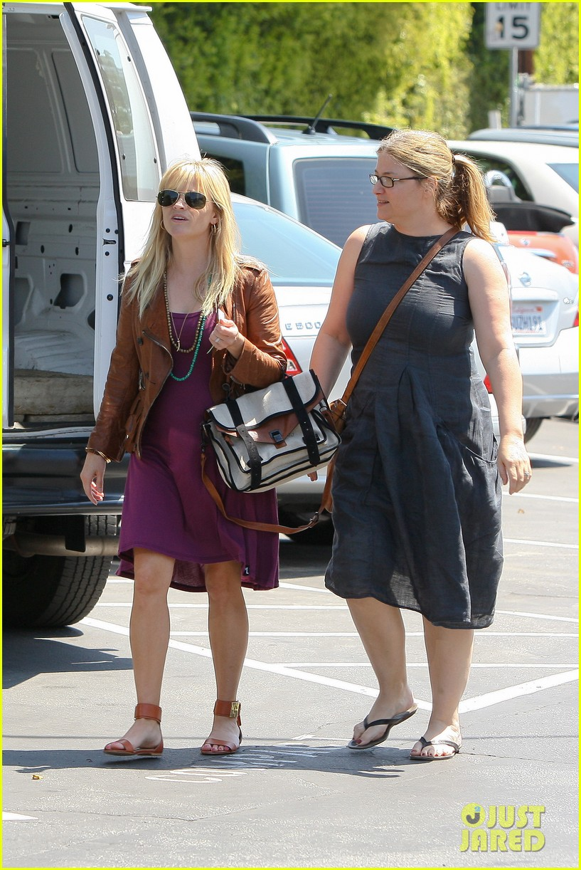 Full Sized Photo of reese witherspoon baby bump at lunch 09 | Photo ... Ryan Phillippe
