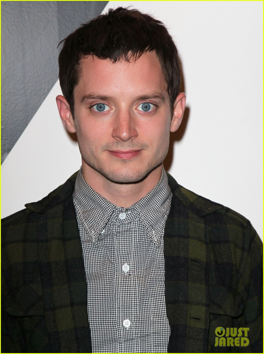 Elijah Wood dog suit 07