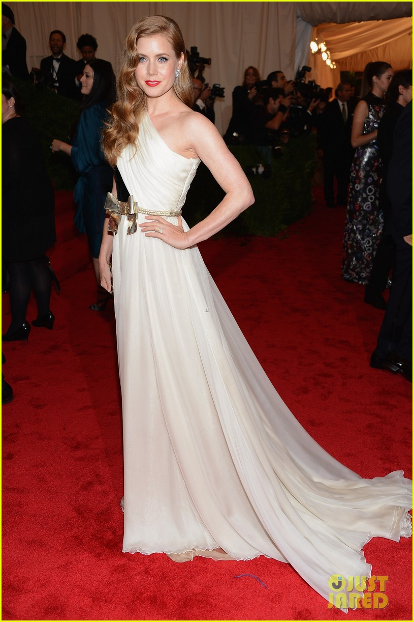 amy adams 2012 met ball 01