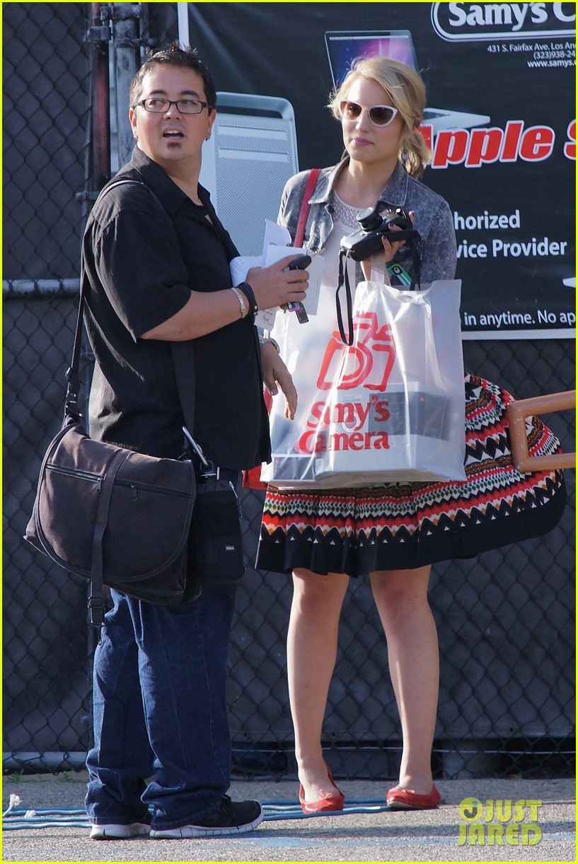 dianna agron camera shopping 052663962
