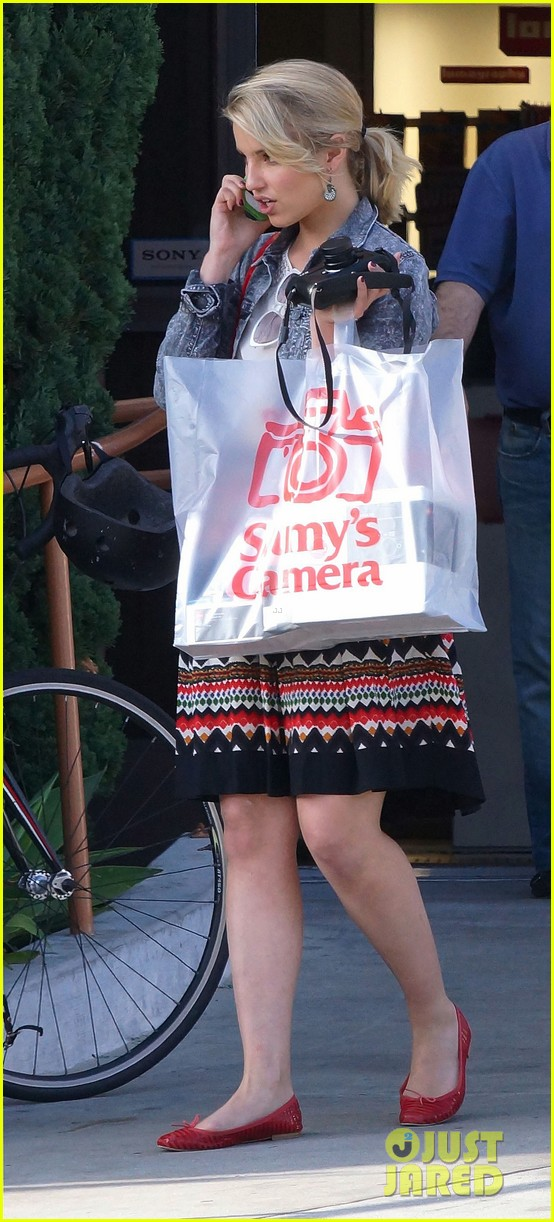 dianna agron camera shopping 082663965