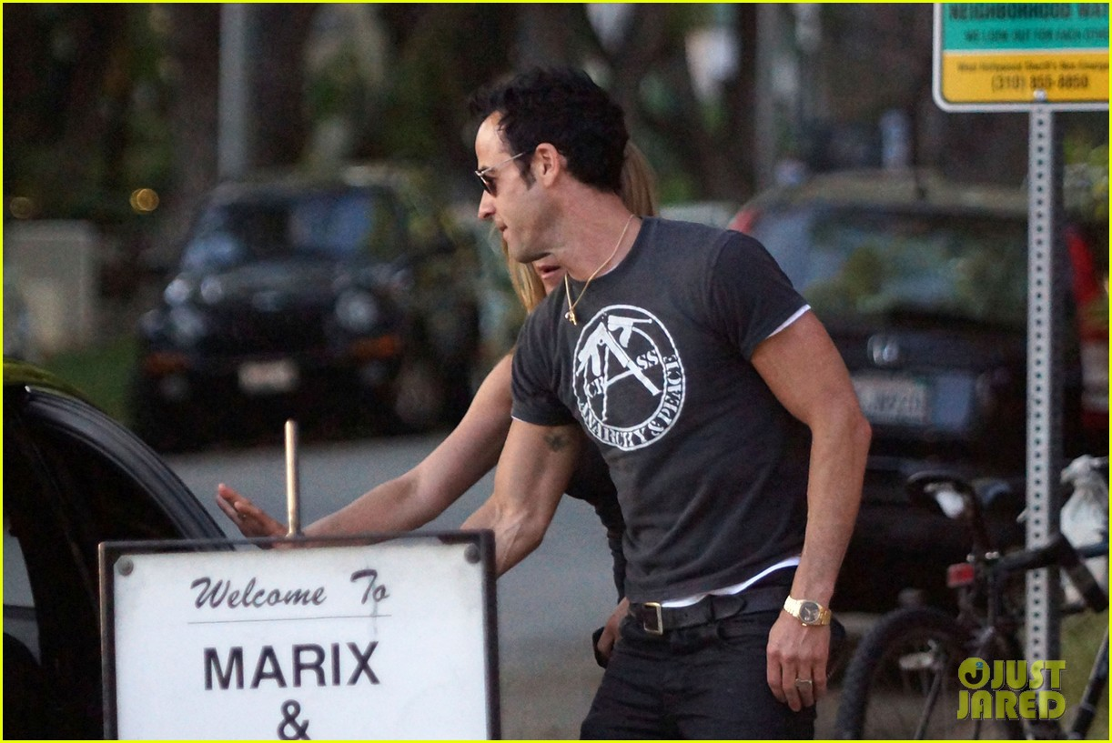 jennifer aniston justin theroux dinner studio city 05