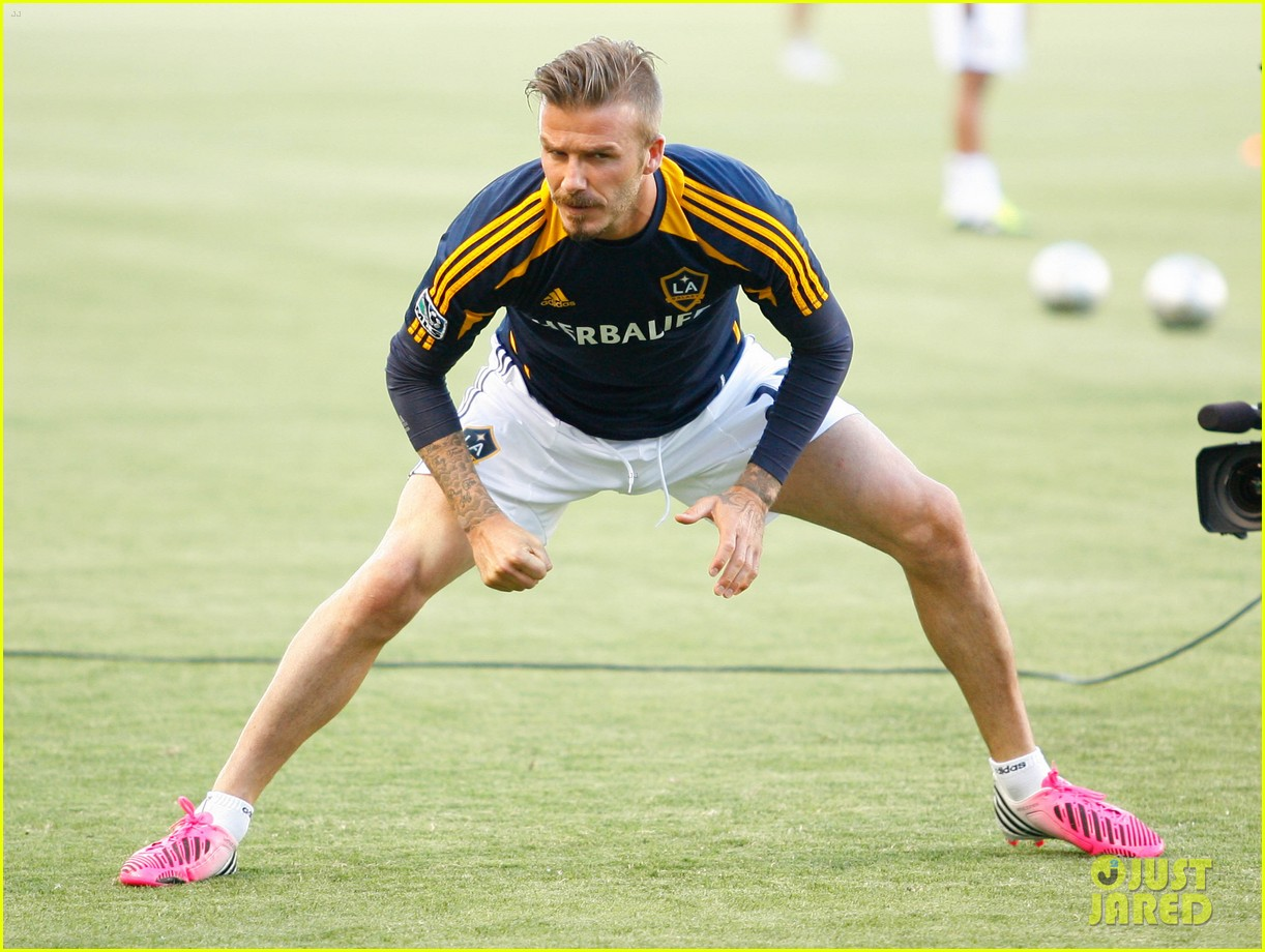 david beckham soccer game 01