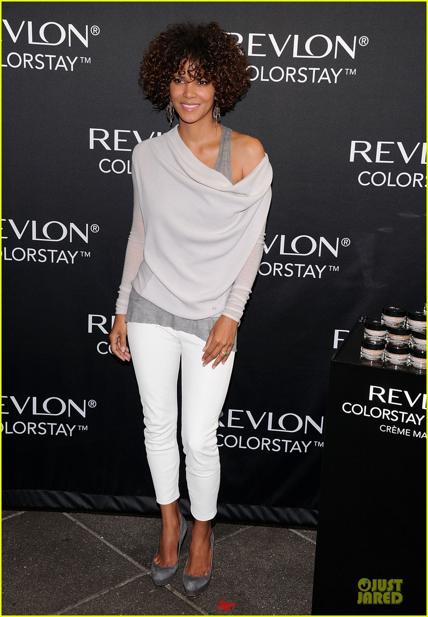 halle berry revlon launch 05