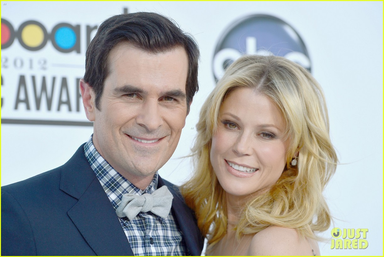julie bowen billboard music awards 2012 01