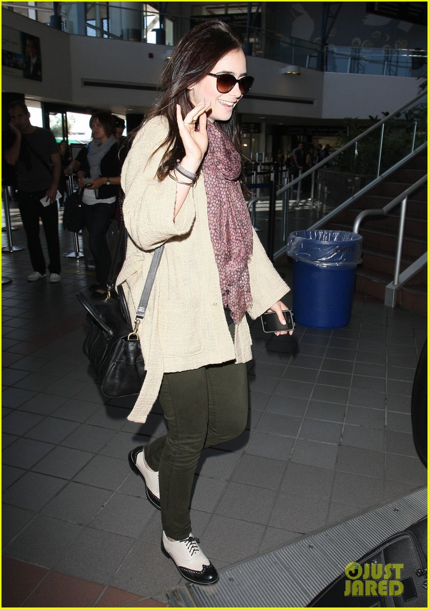 lily collins memorial day weekend jet setter 01