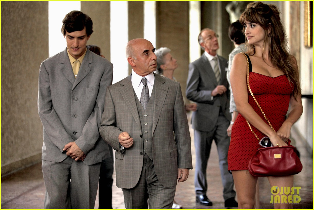 penelope cruz rome with love stills 02