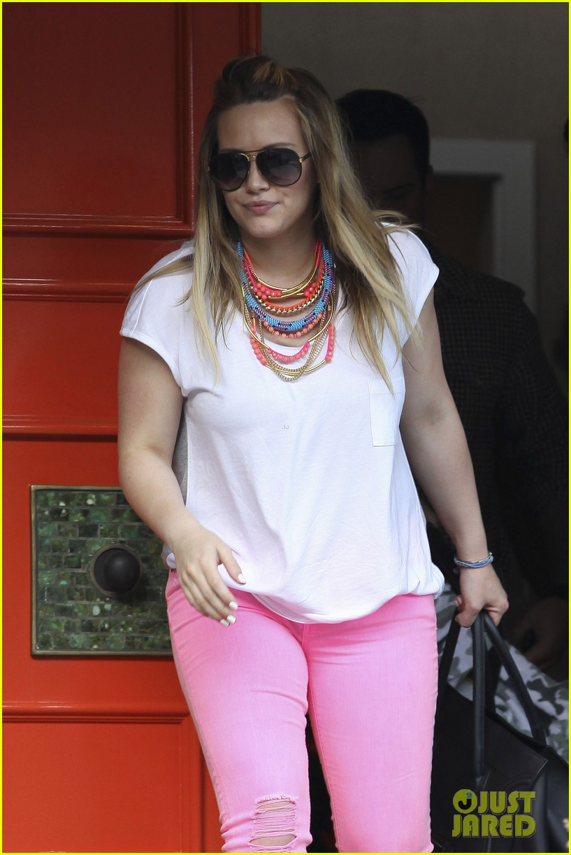hilary duff house party with family 022664486