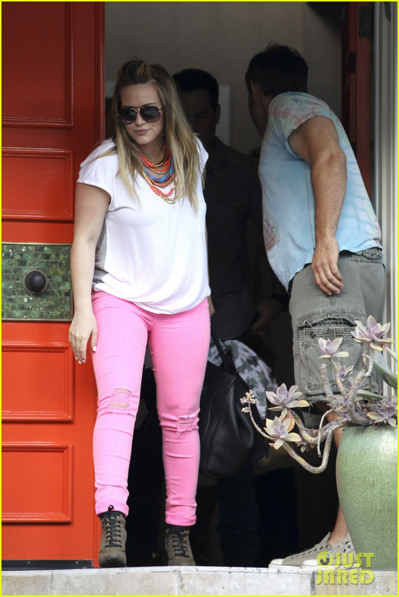 hilary duff house party with family 13