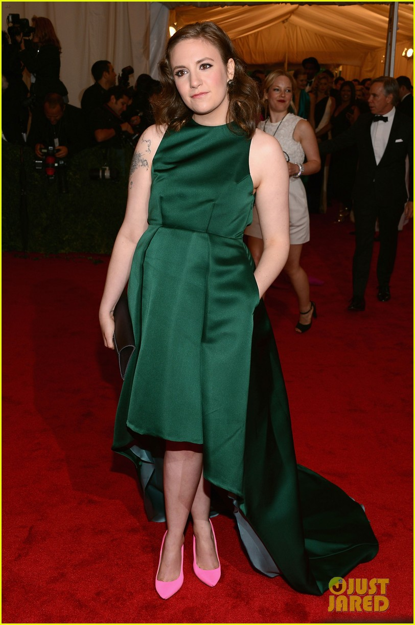 lena dunham allison williams girls at met ball 2012 012658705