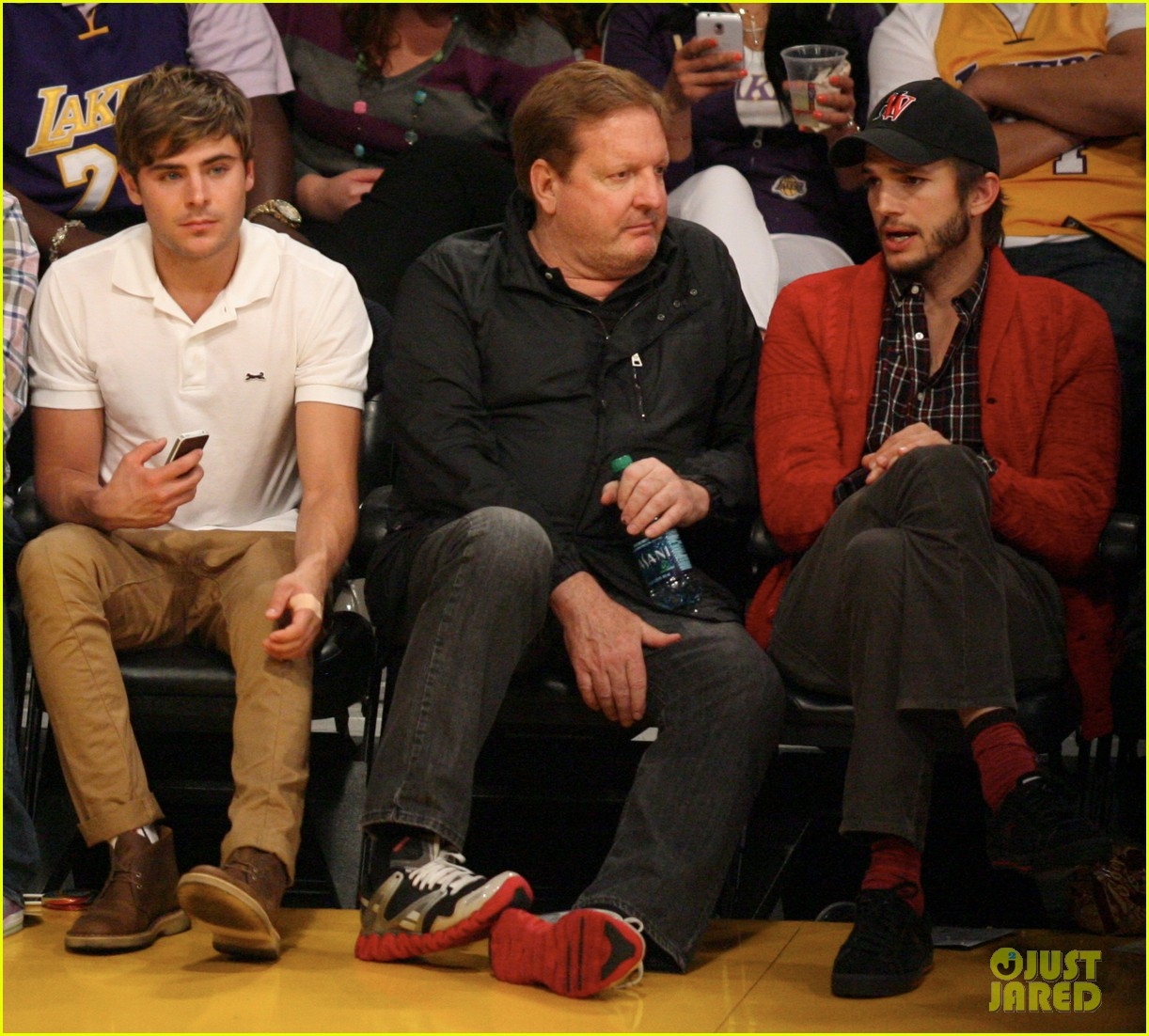 zac efron ashton kutcher lakers 04