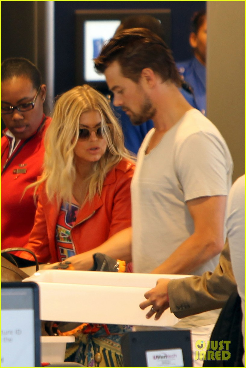 fergie josh leaving lax 03