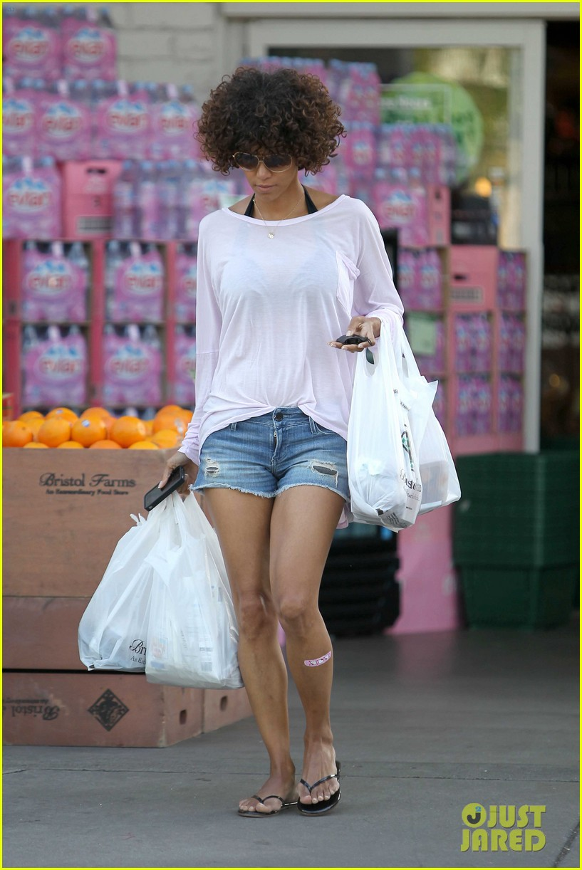 halle berry bristol farms 10