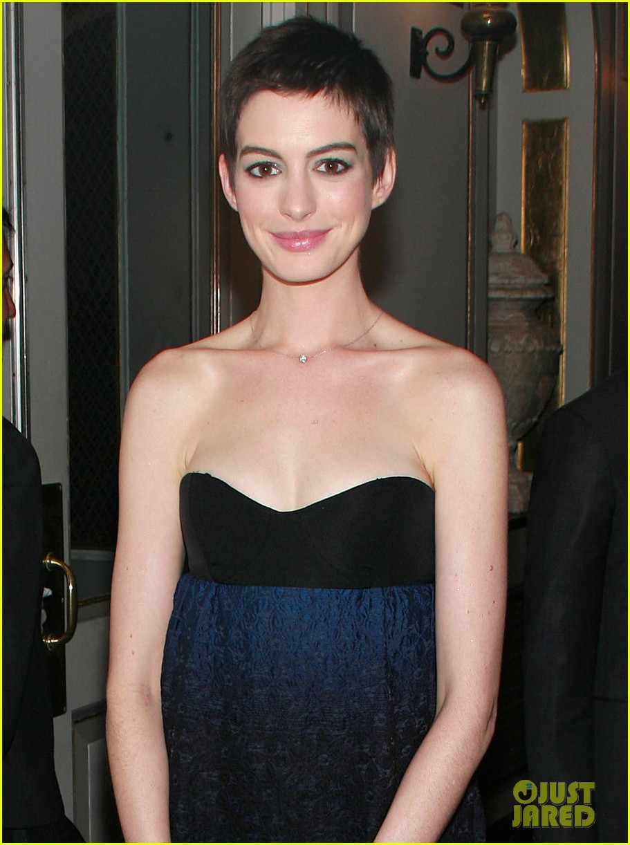 anne hathaway les miserables trailer 05