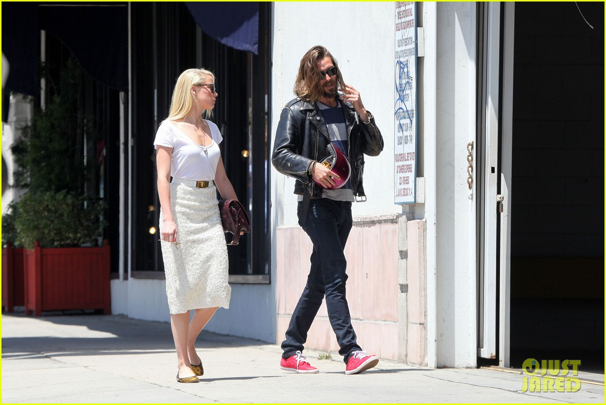 amber heard lunch with pal 03