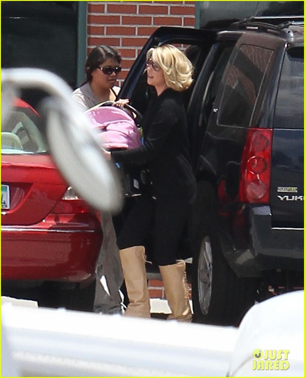 katherine heigl takes off with baby adalaide 012667154