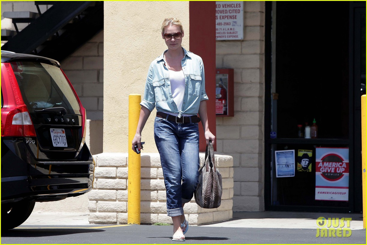 katherine heigl mani pedi 15