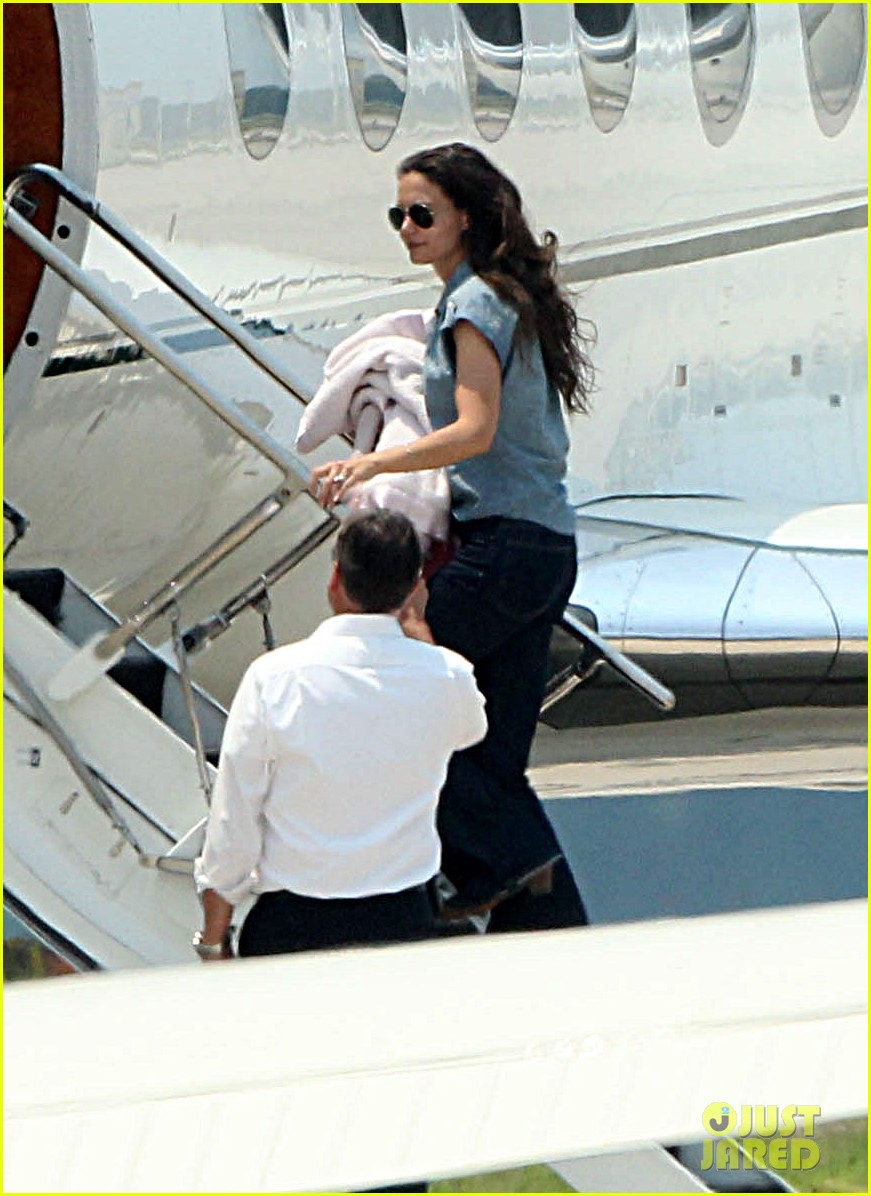 katie holmes says goodbye louisiana.jpg 02