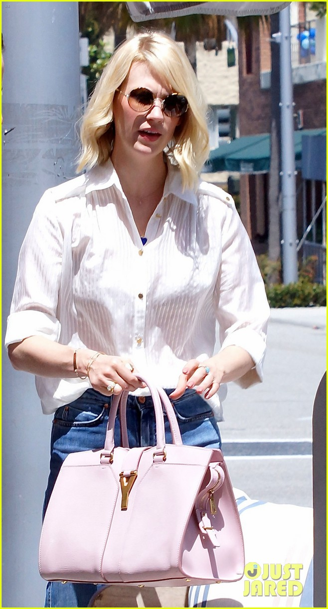 january jones lunch in bev hills 03
