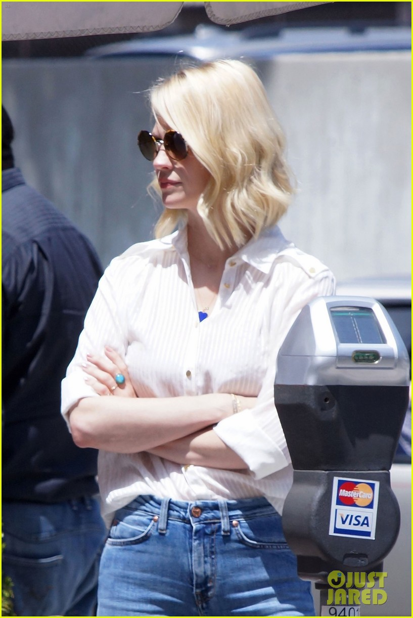 january jones lunch in bev hills 11