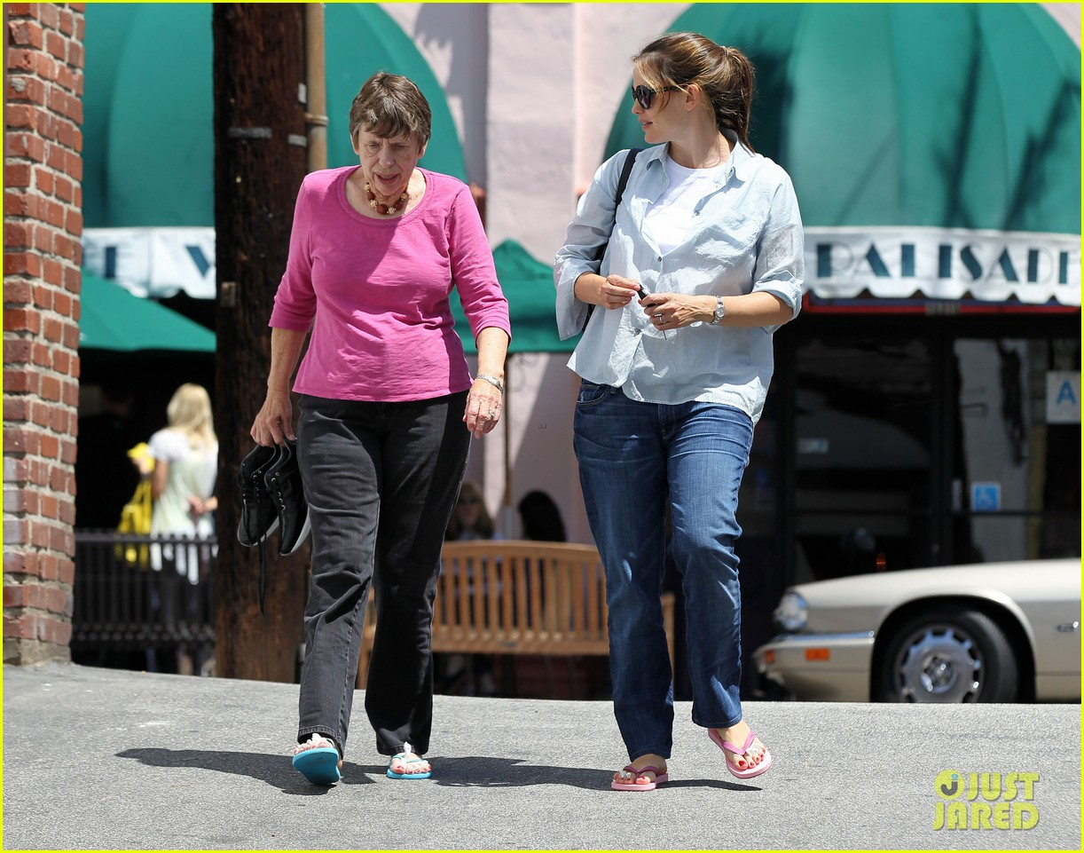 jennifer garner with mom 13