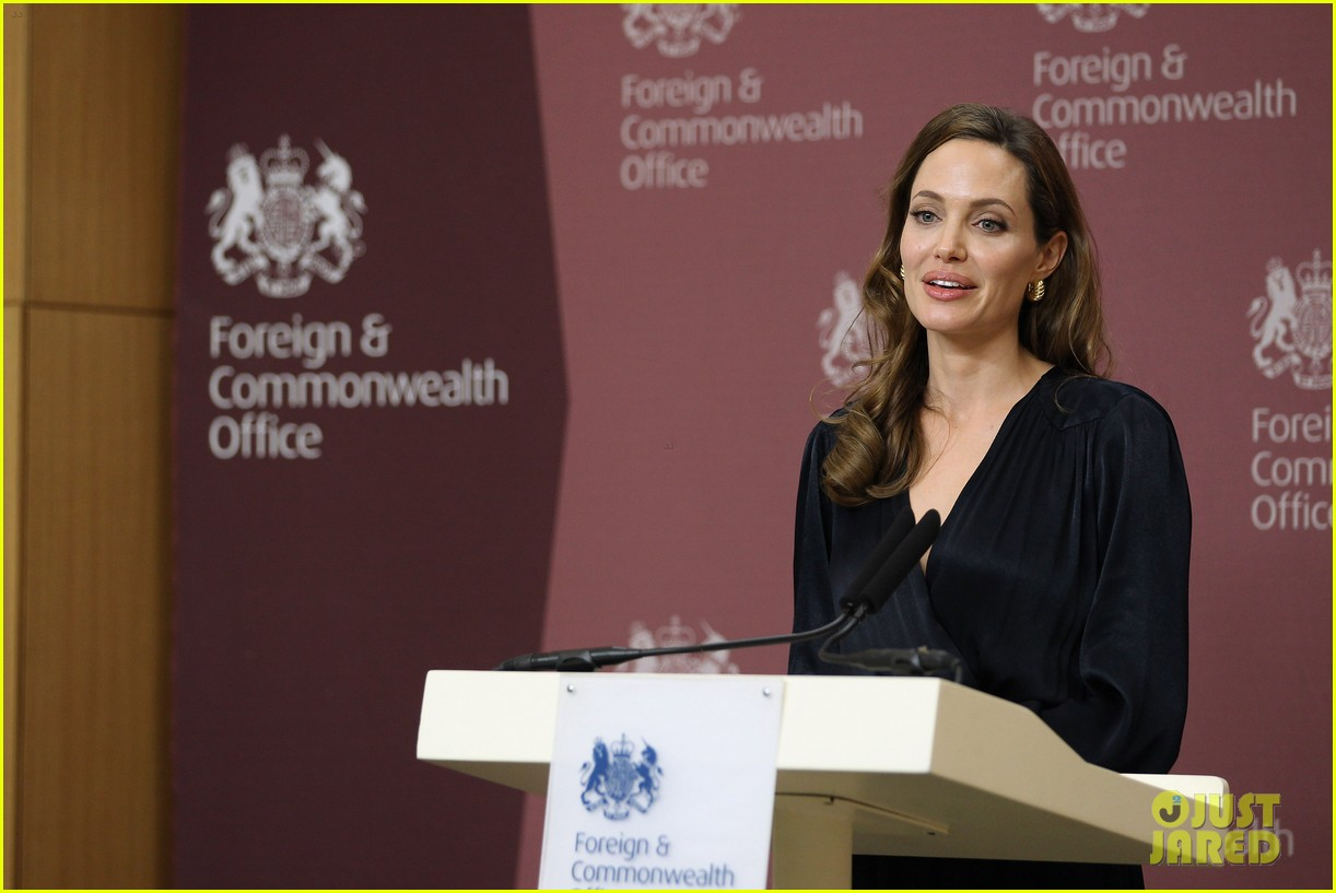 angelina jolie foreign commonwealth office 09