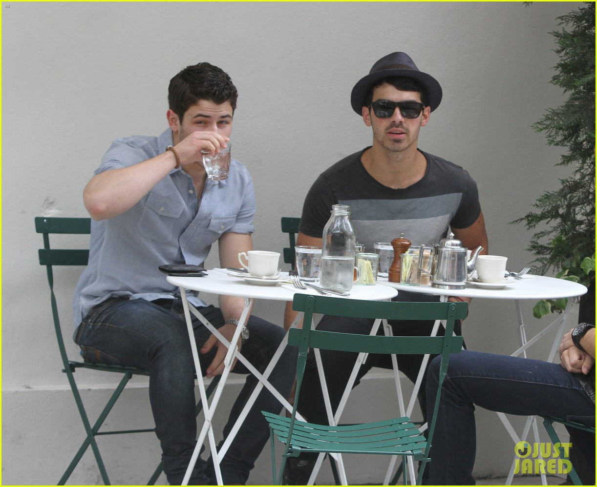 jonas brothers met ball 2012 072658825