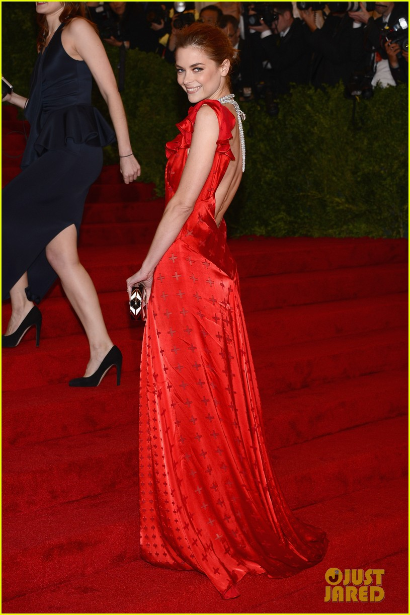 jaime king 2012 met ball 01