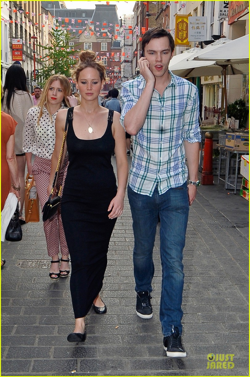 jennifer lawrence nicholas hoult london lovebirds 01